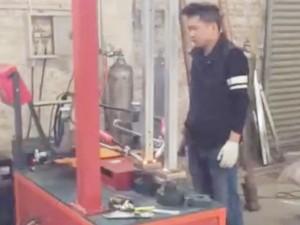 护栏配件-单轴双工位底板焊机视频