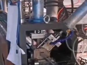 红九州自动钻孔机案例2视频